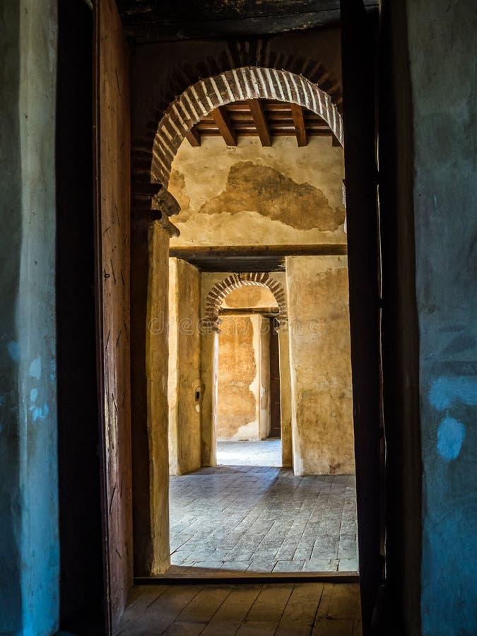 Fasil Ghebbi es el restos de una fortaleza-ciudad en Gondar, Etiopía imágenes de archivo libres de regalías