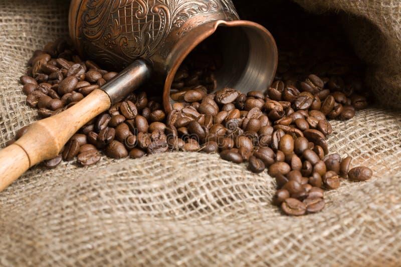 fasoli cezve świeżo upieczone kawy zdjęcia stock