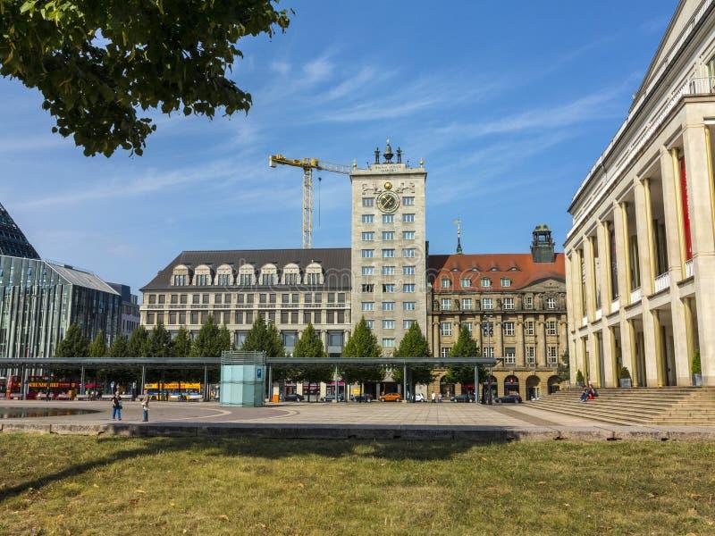 Fassade berühmten Krock-Wolkenkratzers in Leipzig lizenzfreies stockbild