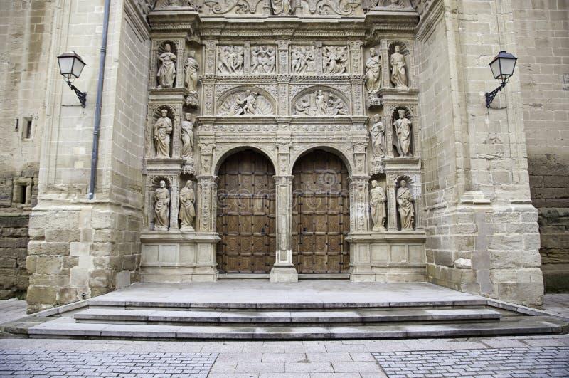 fassade der alten mittelalterlichen kirche stockfoto bild von christ fein 30197856. Black Bedroom Furniture Sets. Home Design Ideas