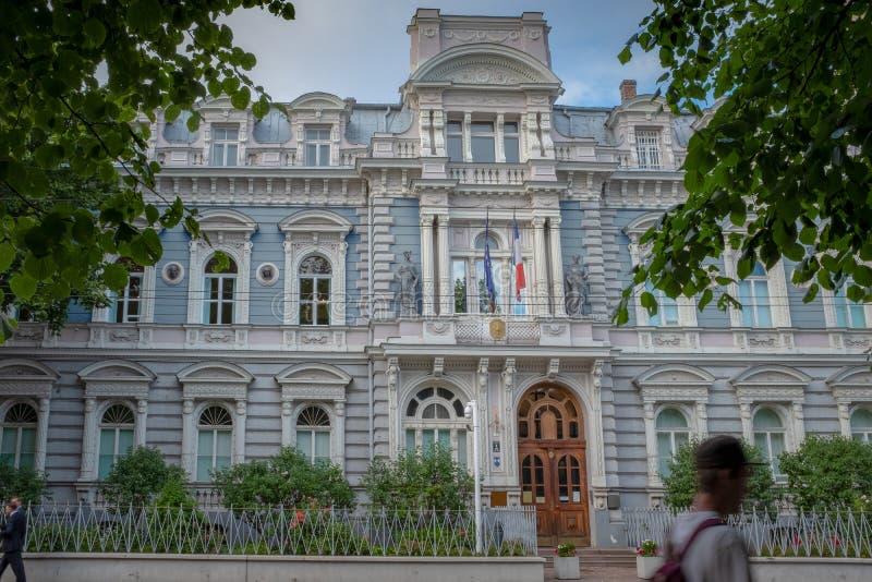 Fassade der franz?sischen Botschaft in Riga stockfoto