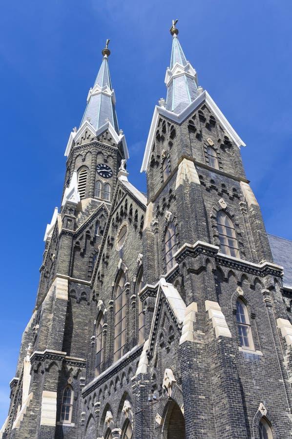 Fassade der historischen Kirche in Milwaukee stockbilder