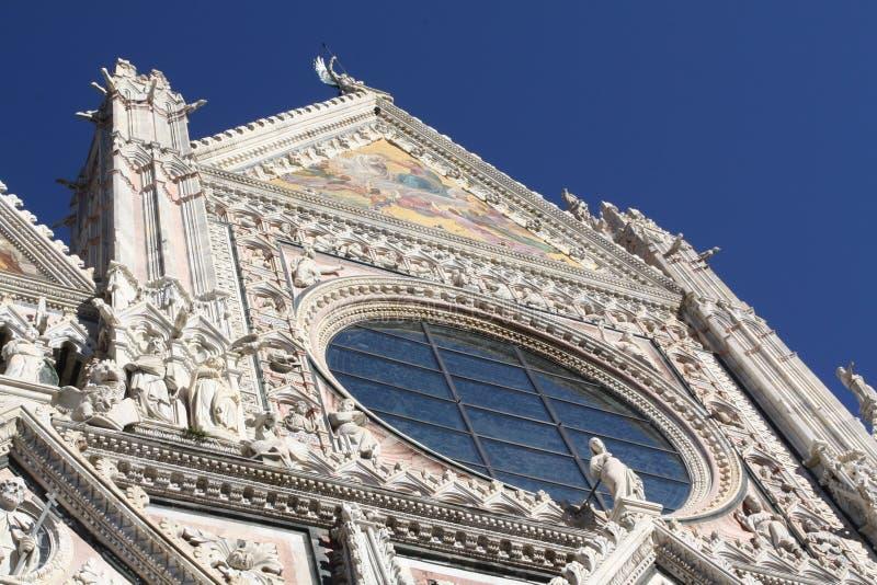 Fassade der Kathedrale in der Siena lizenzfreies stockfoto