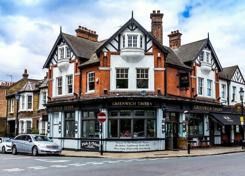 Fassade des Gasthauses berühmter Greenwich-Taverne in Greenwich, London, Großbritannien stockfotos