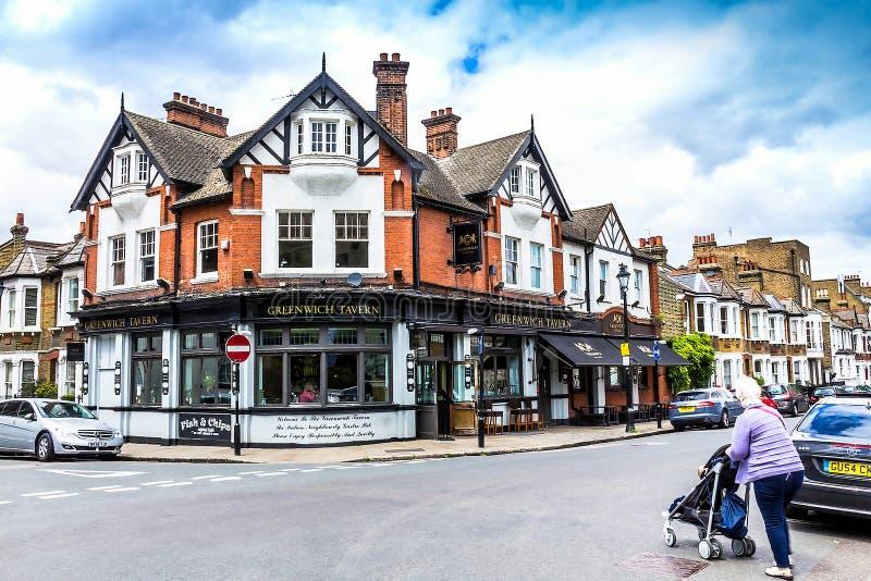 Fassade des Gasthauses berühmter Greenwich-Taverne in Greenwich, London, Großbritannien lizenzfreie stockbilder