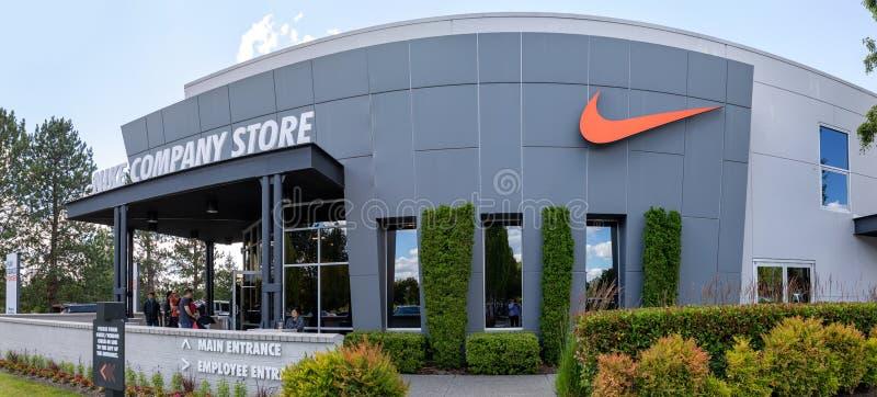 Fassade des Nike-Firmenshops in Beaverton, Oregon lizenzfreies stockbild