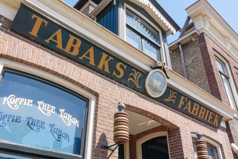 Fassade des Tabaks, Kaffee, Teefabrik De Witte Os in Joure stockfotografie