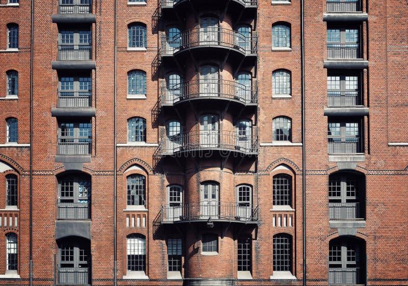 Fassade von einem Gebäude in Hamburg, Deutschland stockfotografie