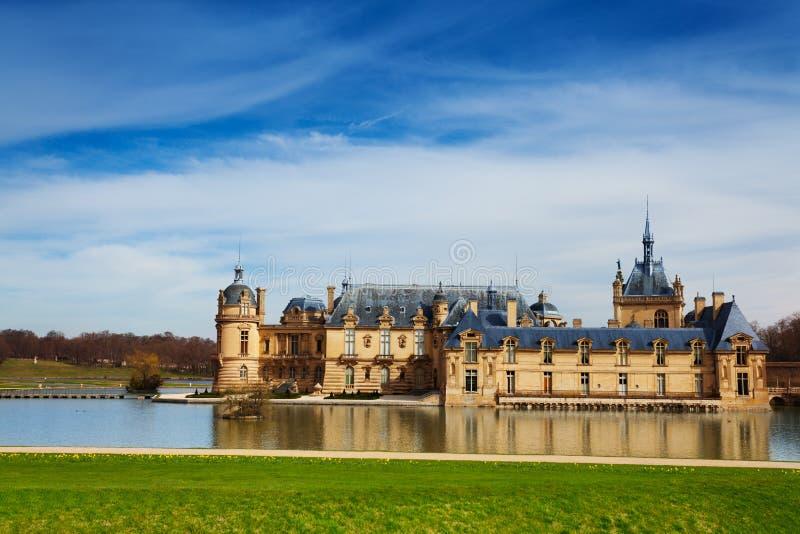 Fassade von Schloss Chateaudes Chantilly in Frankreich stockbild