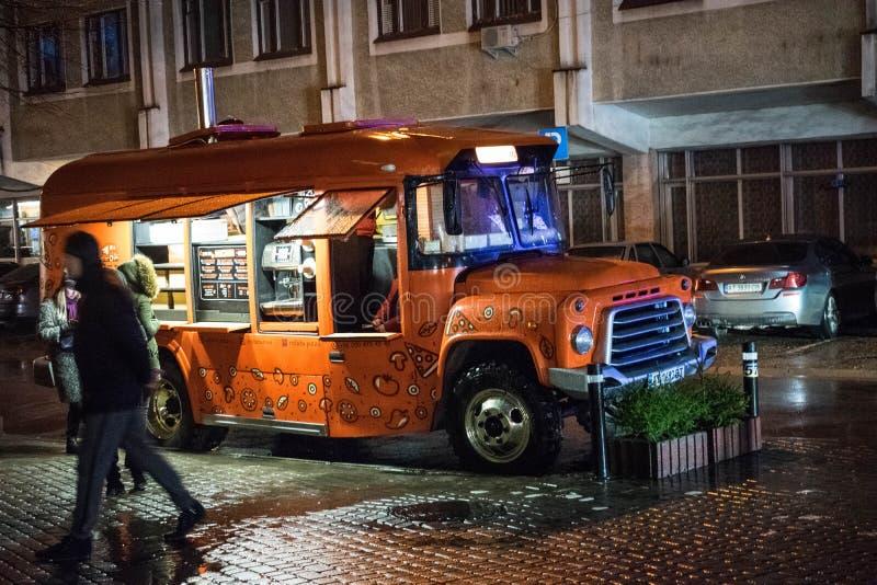Fast food ciężarówka w ukraińskim mieście zdjęcia royalty free