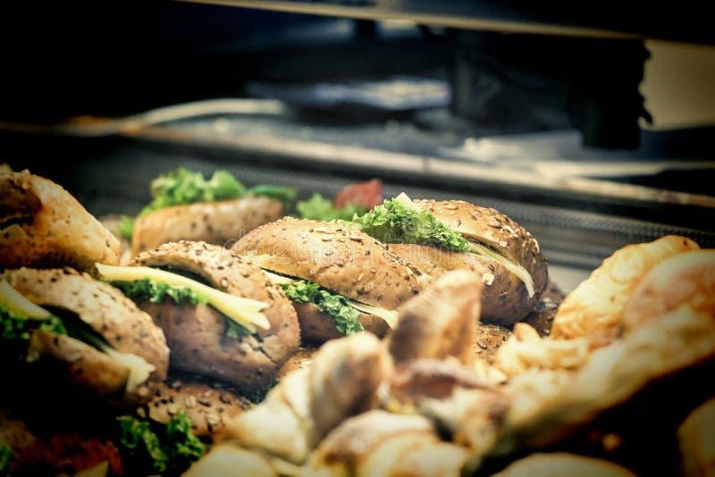 Fast food, hamburguer, troca de rua, alimento da rua fotografia de stock royalty free