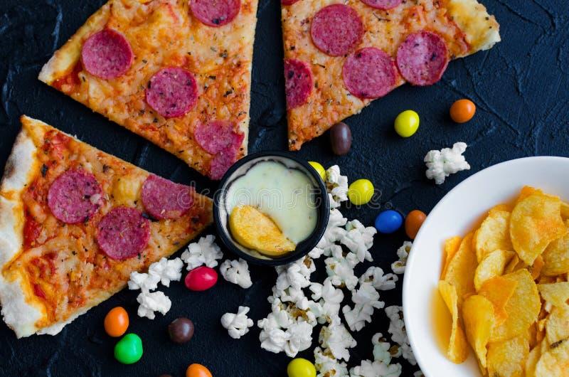 fast food i niezdrowy łasowania pojęcie zdjęcia stock