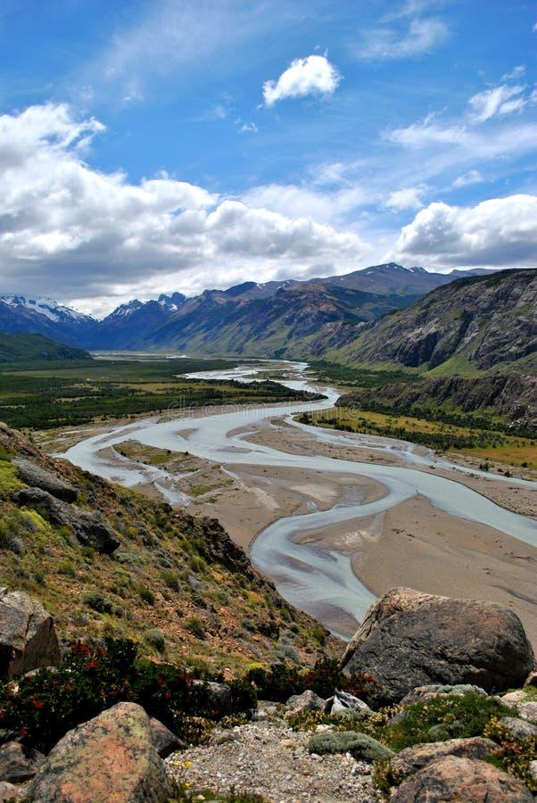 Fast trockener Fluss stockfotografie