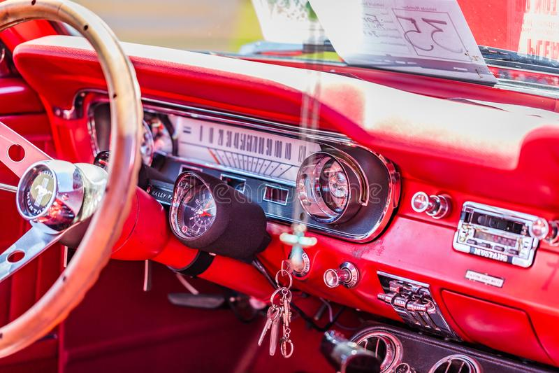 Fastback 1965 Ford Mustangs 2plus2 lizenzfreies stockfoto