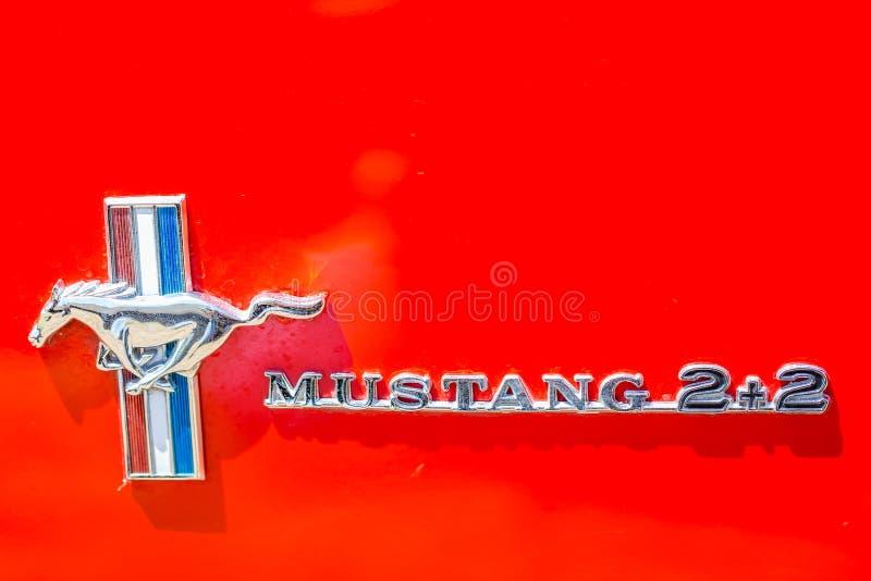 Fastback 1965 Ford Mustangs 2plus2 stockbilder