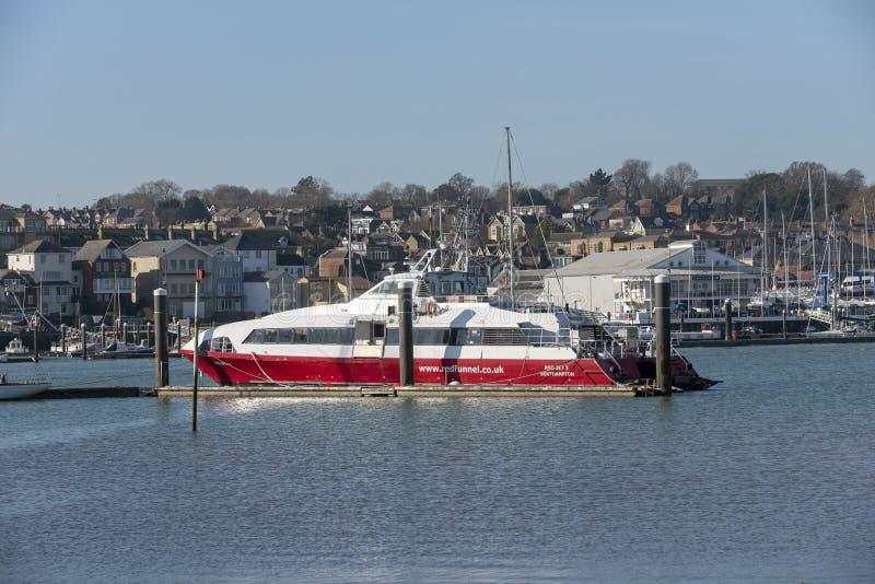 Fastcat停泊的客船,河麦地那,怀特岛郡,英国 库存照片