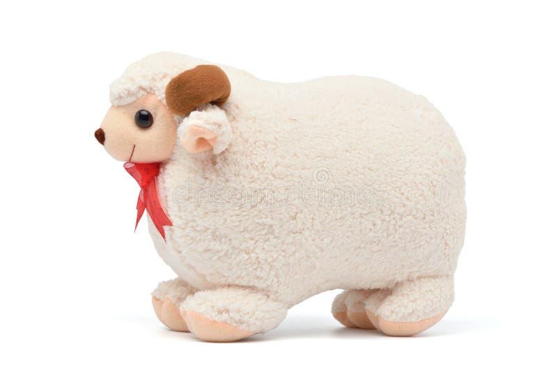 Faszerująca cakla baranu mokietu miękka zabawka odizolowywająca na bielu obraz royalty free