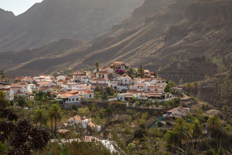 Fataga, uma aldeia da montanha em Gran Canaria, Ilhas Canárias, Espanha foto de stock