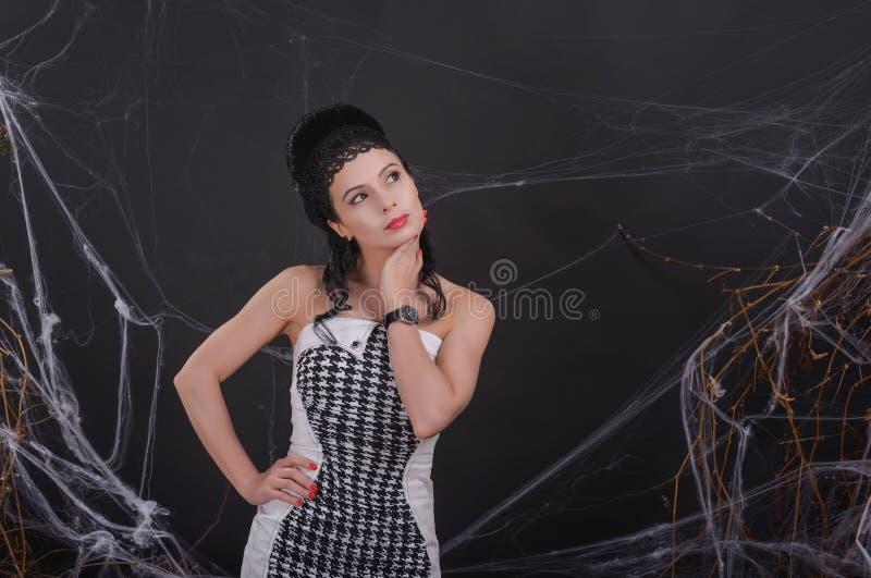 Fatale de Femme composição e penteado bonitos foto de stock