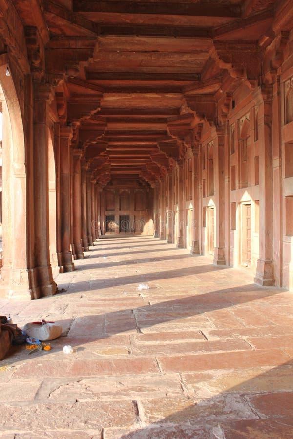 Fatehpur Sikri, colunas e detalhes do corredor imagens de stock