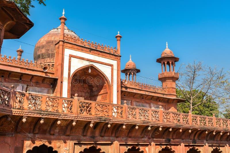 Fatehpuri Masjid, een moskee dichtbij Taj Mahal in Agra, India stock afbeelding