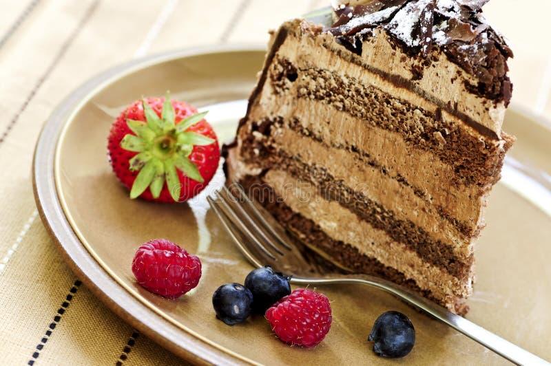 Fatia de bolo de chocolate imagens de stock royalty free