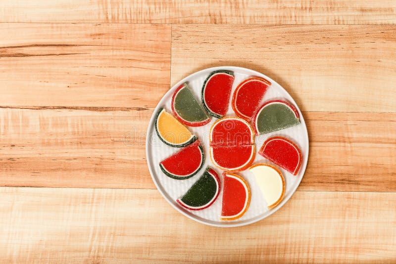 Fatias coloridas de doce de fruta imagens de stock royalty free