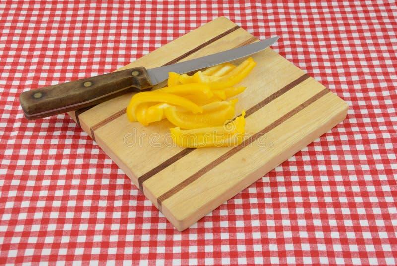 Fatias da pimenta de sino amarelo imagem de stock royalty free