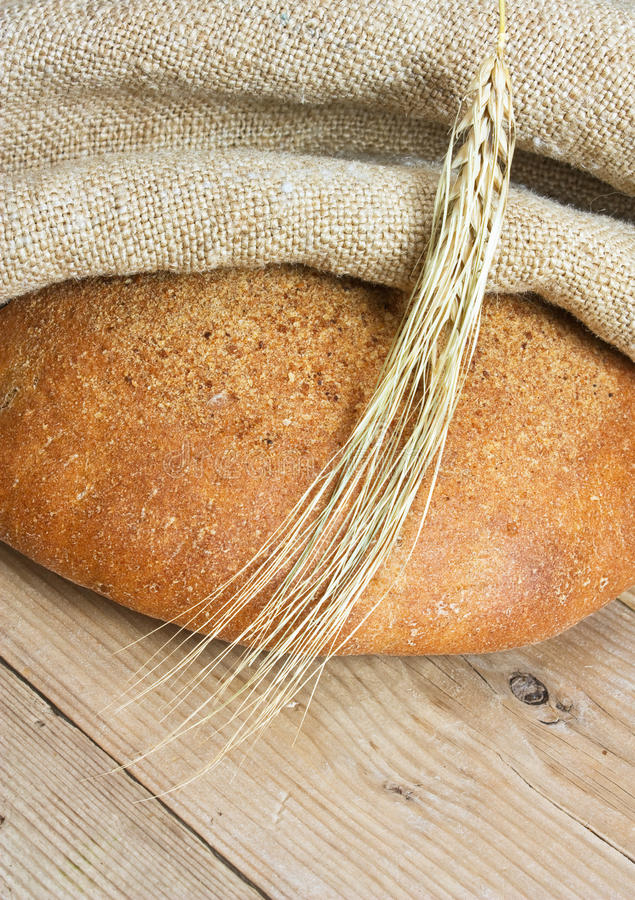 Fatias de pão de centeio imagem de stock