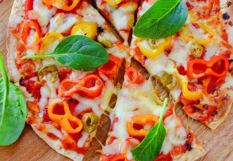 Fatias de pizza italiana do vegetariano foto de stock
