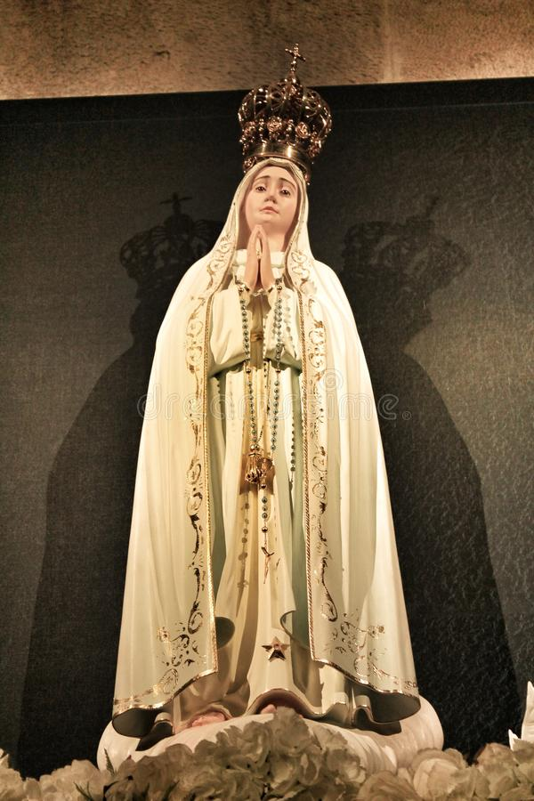Fatima Virgin i den Lissabon kyrkan arkivfoto