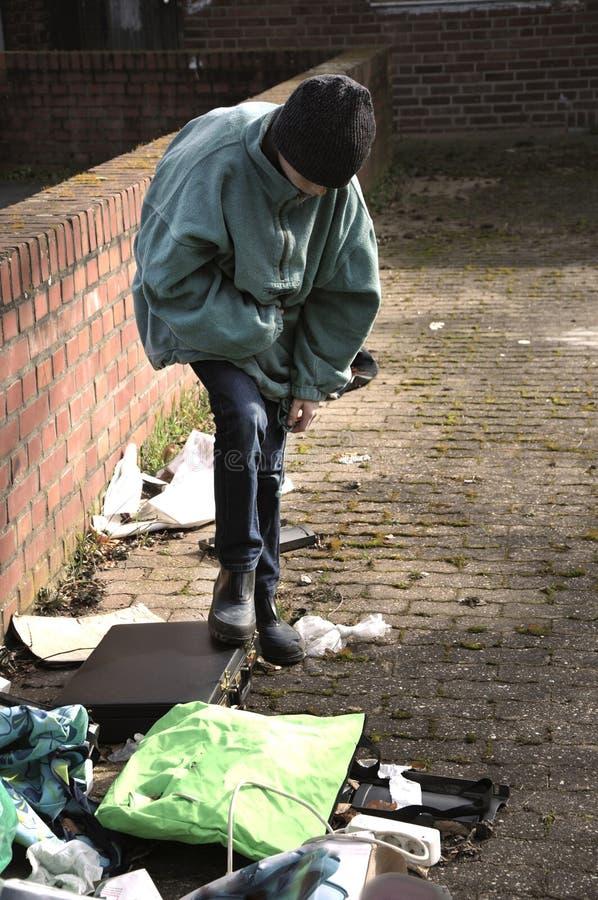 Fattig pojke royaltyfri foto