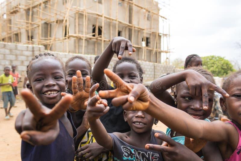 Fattiga lantliga afrikanska barn 6 royaltyfria bilder