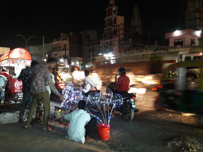 Fattigt folk för indisk vandringsledmarknad arkivfoton