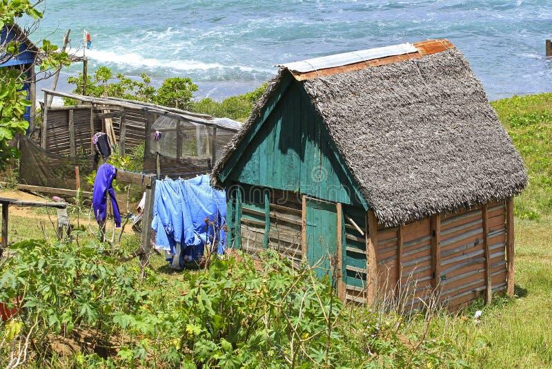 Fattigt hus i Madagascar, Afrika royaltyfria bilder