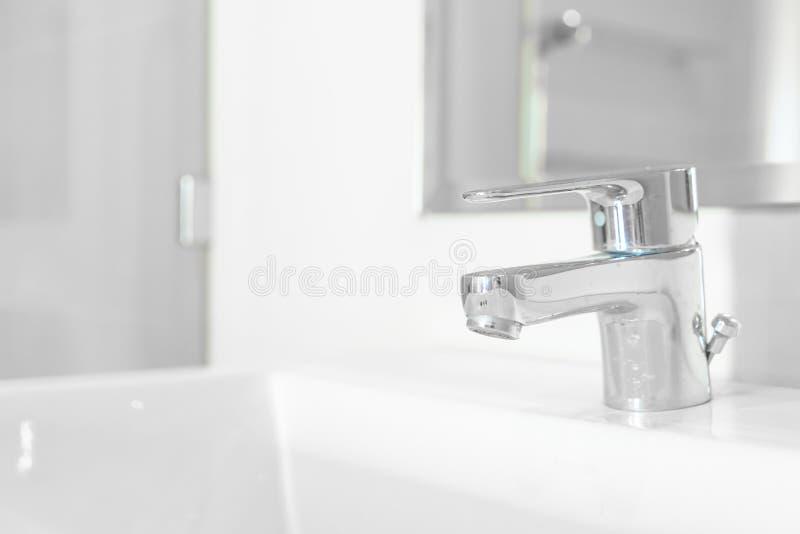 faucet lub klepnięcie w łazience fotografia royalty free