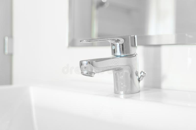 faucet lub klepnięcie w łazience obrazy stock