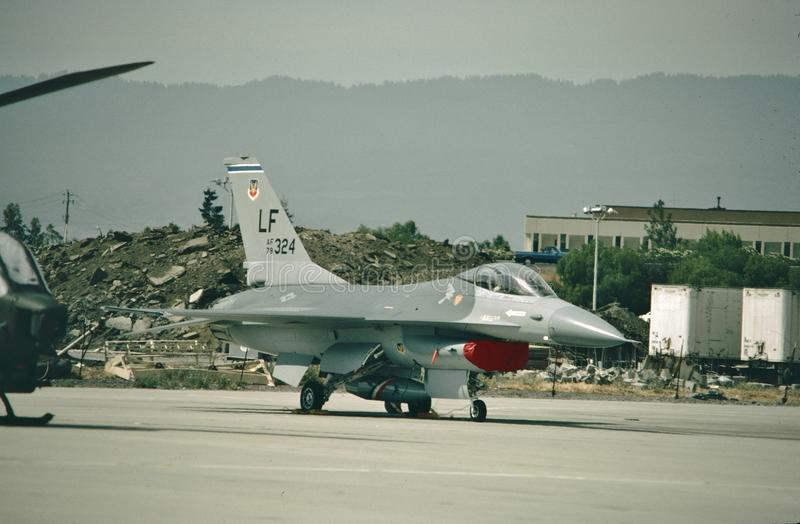 Faucon de combat de l'U.S. Air Force General Dynamics F-16A 79-0324 photos stock