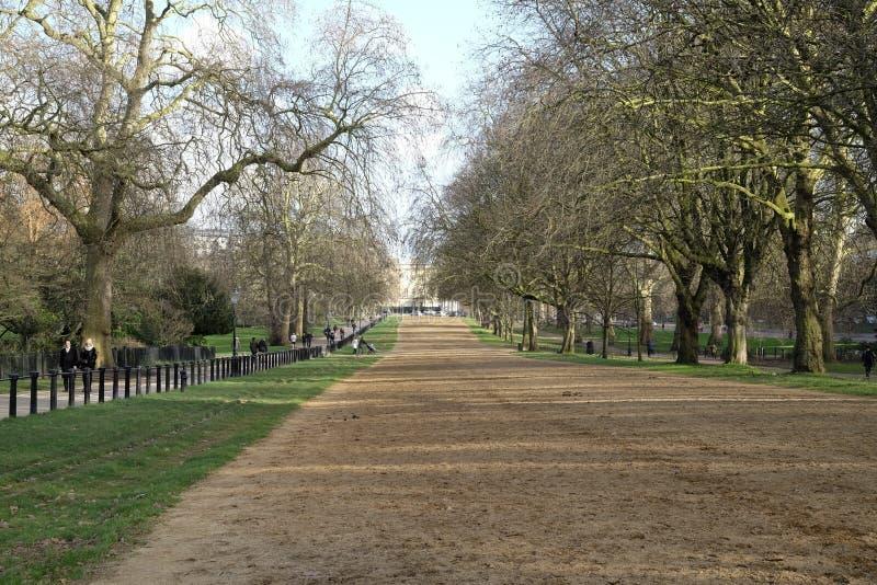 Fauler Reihenreitweg in Hyde Park London stockfotografie
