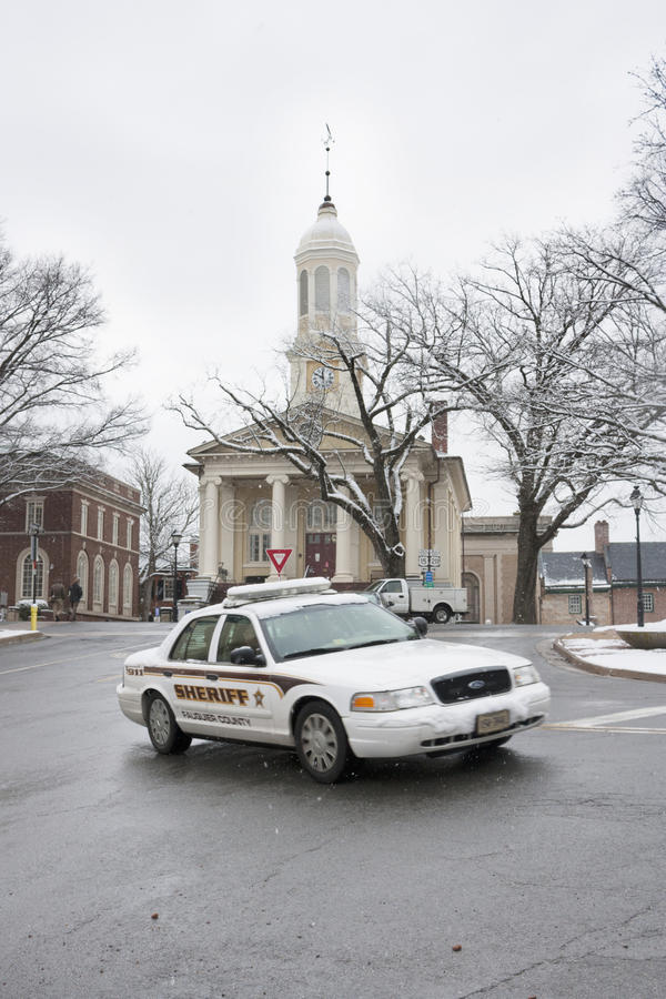 Free Fauquier County Sheriff Car In Front Of Courthouse, Warrenton, Virginia Royalty Free Stock Image - 38487086