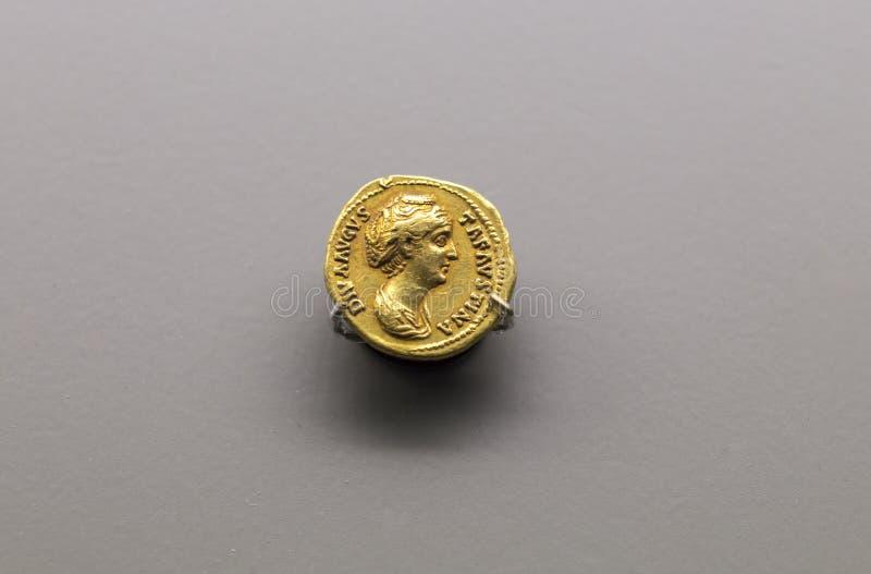 Faustina the Elder, złota moneta rzymska, 100-140 AC obraz royalty free
