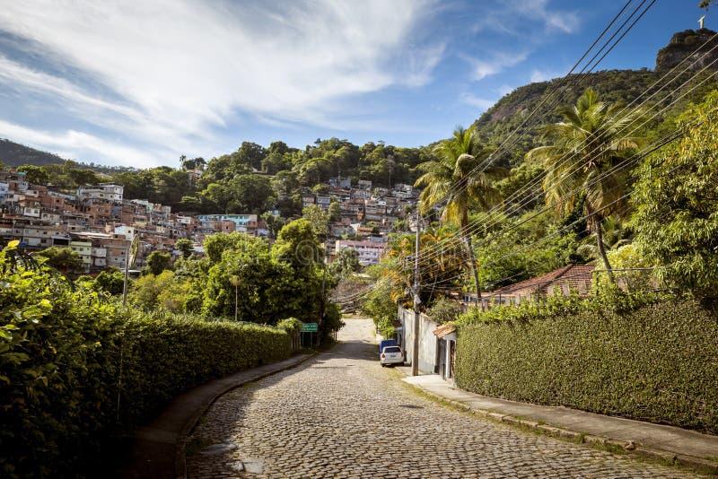 Favela в районе Cosme Velho Рио-де-Жанейро стоковое фото
