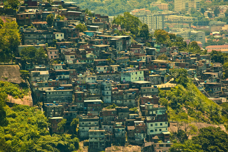 Favela i Rio de Janeiro Brasilien arkivfoto