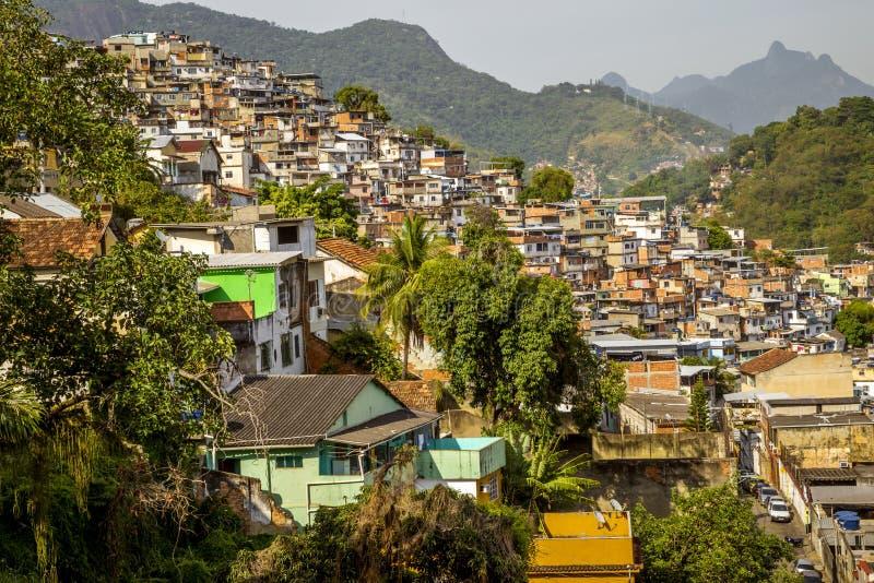 Favela in Rio de Janeiro, Brasilien lizenzfreie stockfotografie