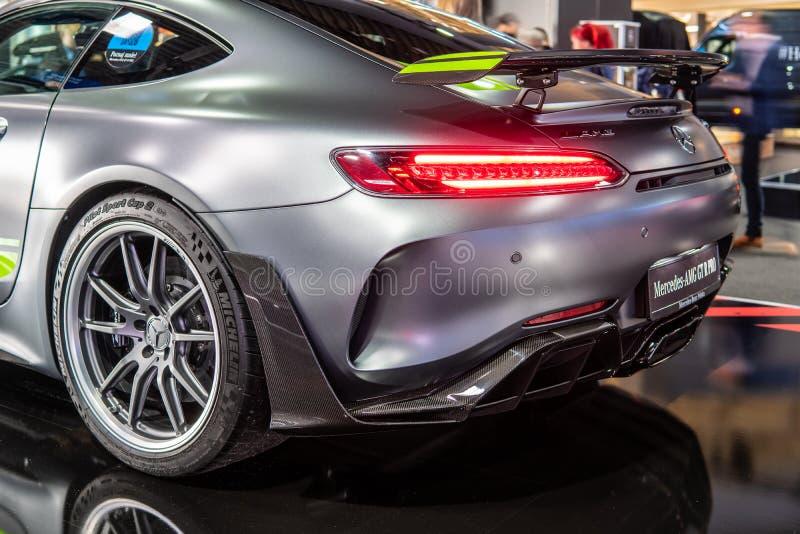 FAVORABLE autom?vil descubierto V8 BI-turbo de Mercedes-AMG GT R con M178 el motor, coche deportivo de alto rendimiento producido foto de archivo libre de regalías