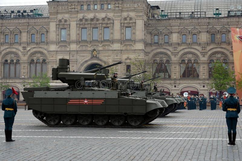 ` Favorable del adaptador del ` de la máquina del BMPT del arma rusa del tanque en el ensayo del desfile de Victory Day en Moscú fotos de archivo