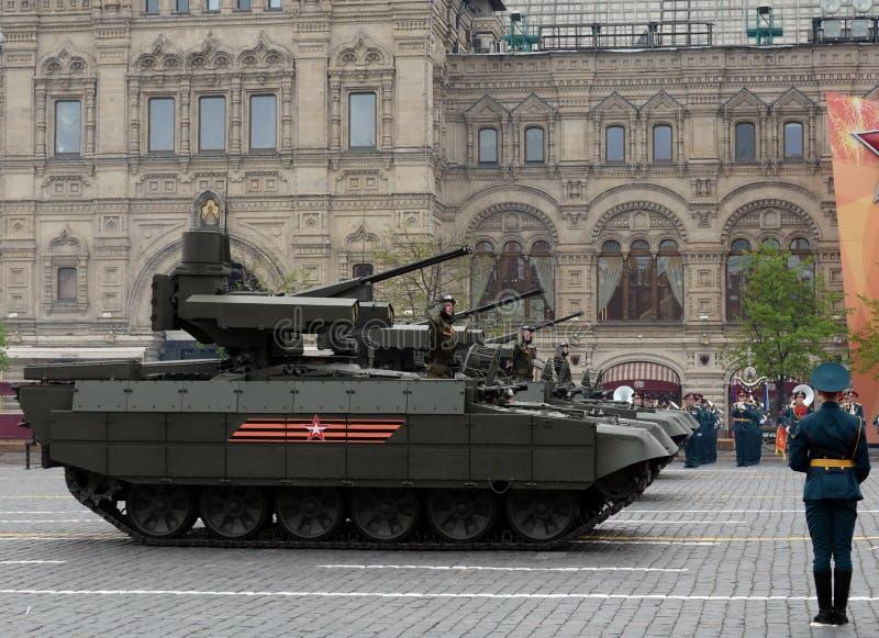 ` Favorable del adaptador del ` de la máquina del BMPT del arma rusa del tanque en el ensayo del desfile de Victory Day en Moscú fotografía de archivo libre de regalías