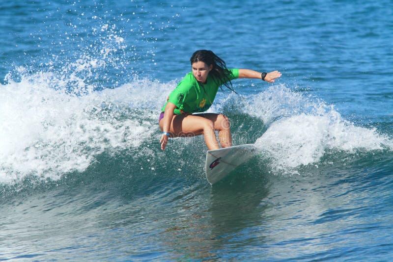 Favorable Zea de Simone de la persona que practica surf foto de archivo