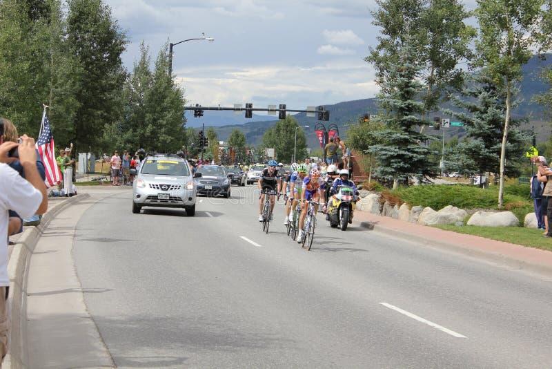 FAVORABLES ciclistas de ciclo de la etapa 5 del desafío de los E.E.U.U. foto de archivo libre de regalías