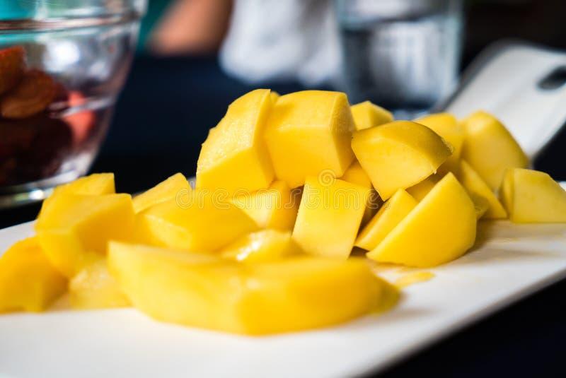 Favorito tailandês do fruto da manga amarela fotografia de stock